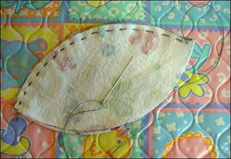 Игрушка на елку. Шар из текстиля