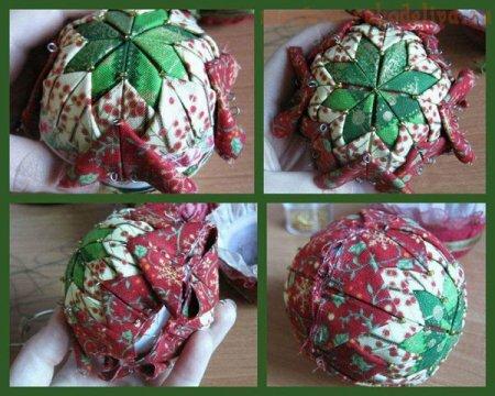 Toy na árvore de Natal.  Bacia de têxteis