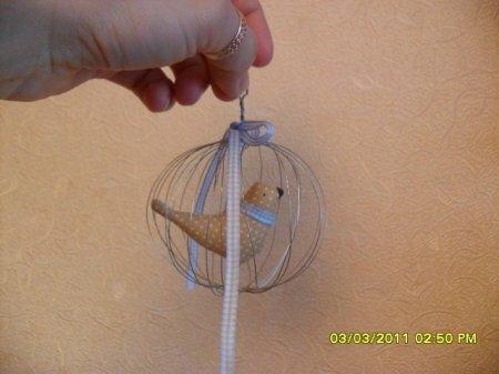 Птичка в клетке для Тильды Птичницы