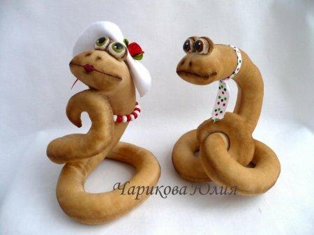 Мягкая игрушка змея - символ 2013 года. Мастер-класс