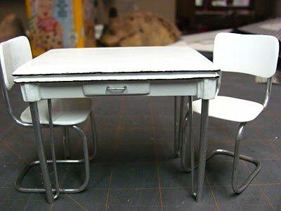 Как сделать стол для кукол. Мастер-класс.
