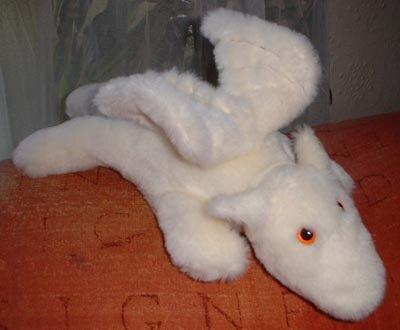Мягкая меховая игрушка белый дракон. Выкройка