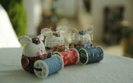 Текстильные зайки держатели для катушек. Мастер-класс