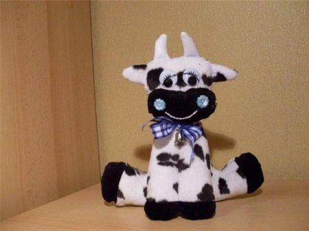 Мягкая игрушка корова. Выкройка для шитья игрушки.