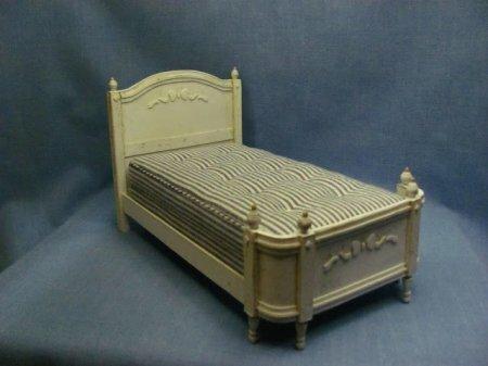 Кровать для кукол. Мастер-класс